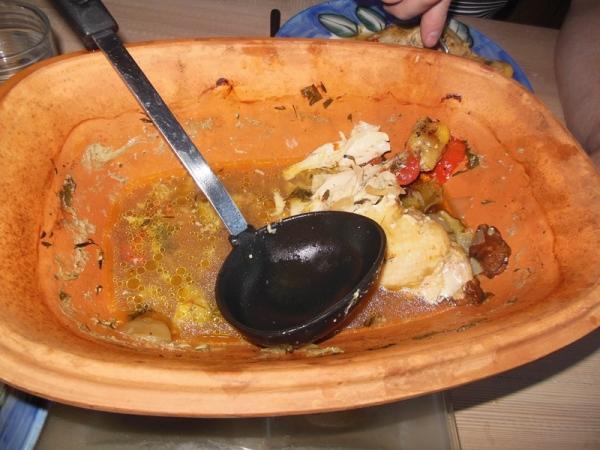 Her er maten nesten spist opp - det var da jeg kom på at jeg egentlig skulle ta bilde av den ferdige maten.