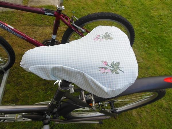 Her er det ferdige setetrekket satt på sykkelen min. Forhåpentligvis ingen fler våte ringer i rompa.