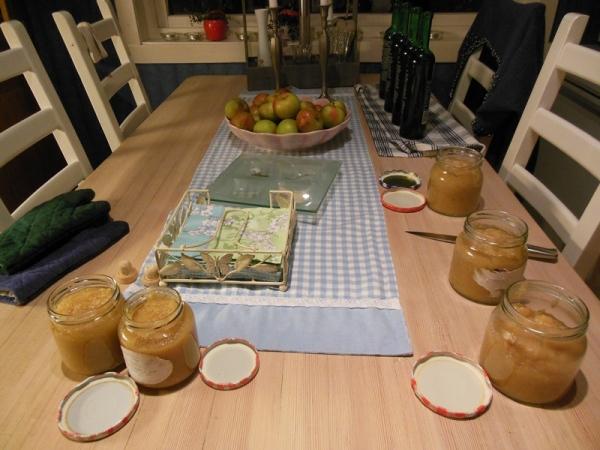 Eplemos og eplesaft til avkjøling