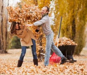 Par i høstløv