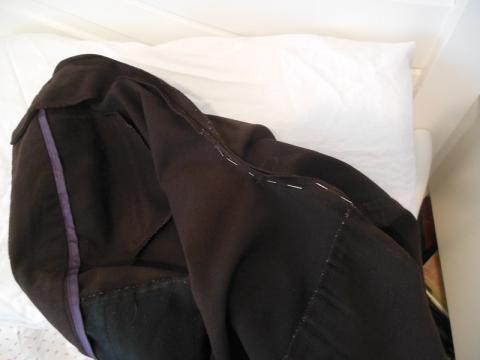 Buksebaken ferdig til å syes igjen